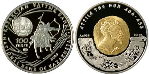 Attilát ábrázoló kazah 100 tengés ezüst érme