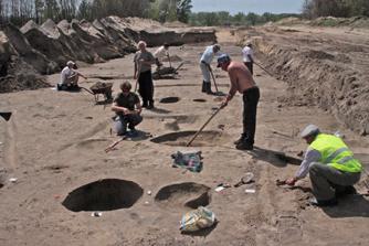 Egy Árpád-kori és egy középkori falu részlete került elő a gát nyomvonalán (baon.hu)