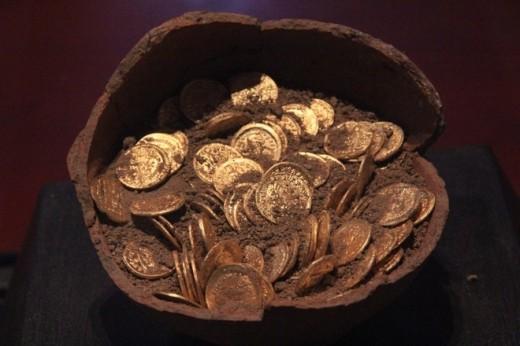 498 darab aranypénz